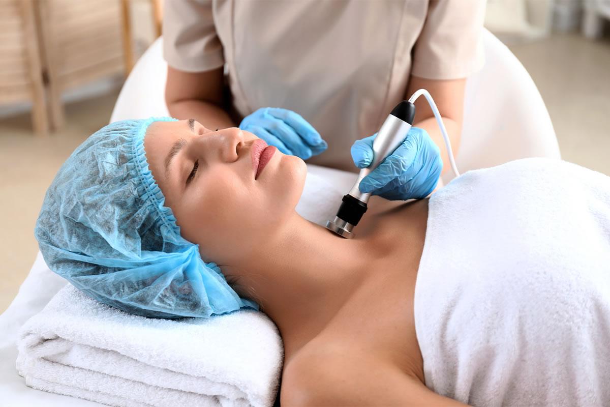 kobiecy zabieg fal radiowych rf - lifting twarzy i szyi